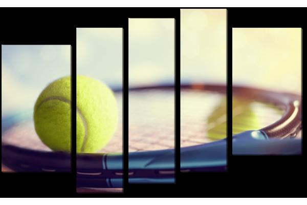 Теннисная ракетка и шар